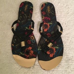 Mossimo Audrey floral flip flops - used